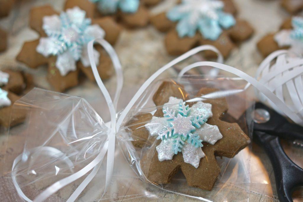 Plantified Aquafaba Gingerbread Snowflakes (Vegan, Egg free, Dairy Free)plantifiedaquafabagingerbreadsnowflakes